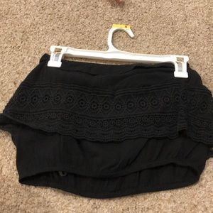 Cropped black Lacey top
